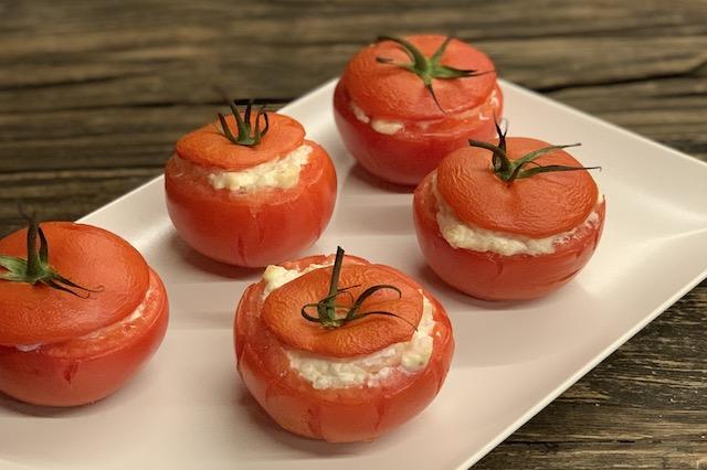 Grillede tomater fyldt med flødeost