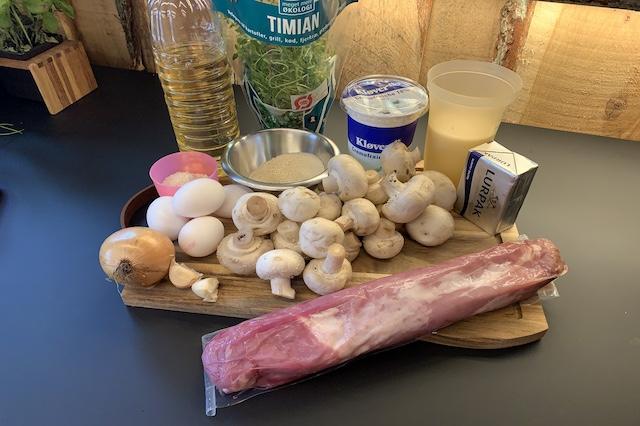 Ingredienser til Svinefilet med champignonfyld i butterdej