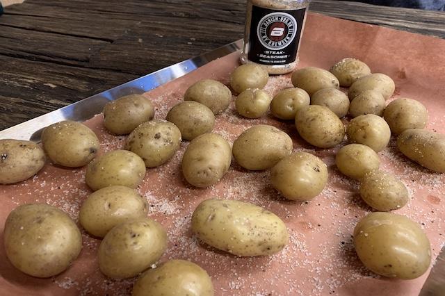 Små kartofler med Steak Seasoner