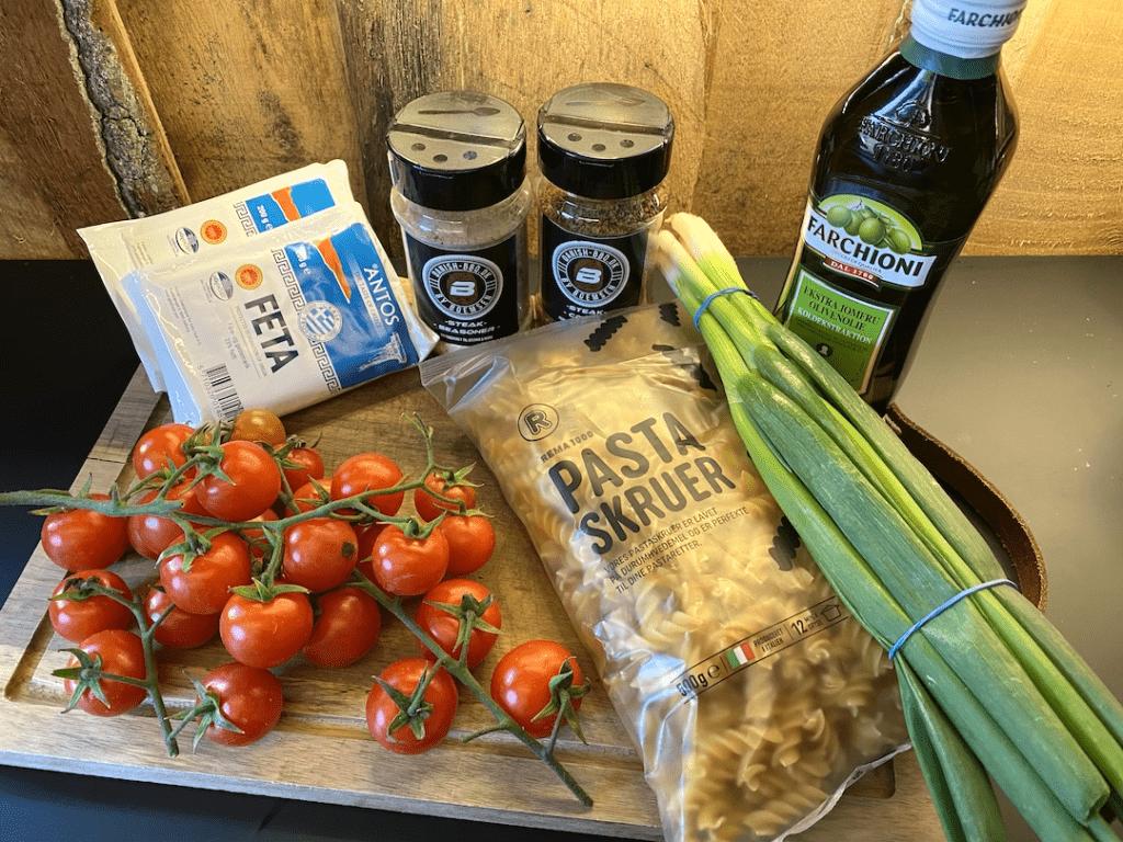 ingredienser varm pastasalat