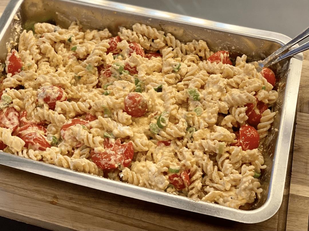 Varm Pastasalat med feta og tomoat